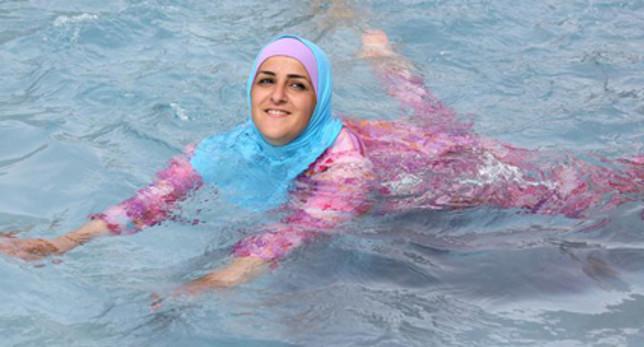 Αποτέλεσμα εικόνας για Υποχρεωτικά τα μαθήματα κολύμβησης για τις μουσουλμάνες μαθήτριες